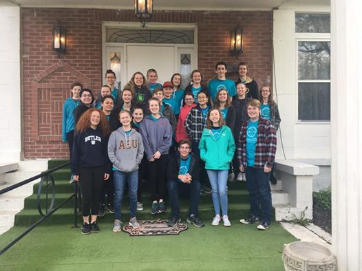 Upper school students served at Third Phase Women's shelter in noblesville. They worked by organizing and sorting donated items in the store and barn.