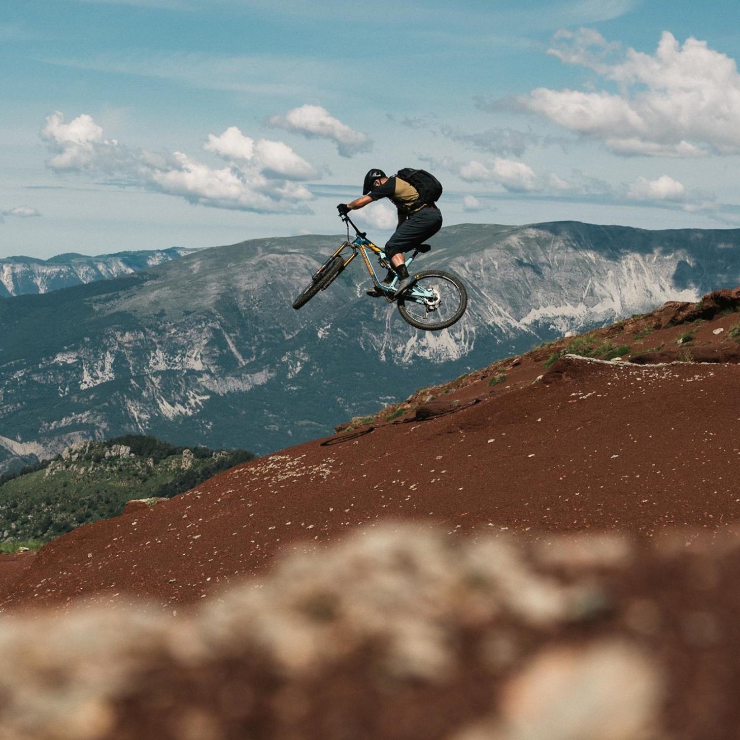 Rocky Mountain - Uniti dalla stessa ragione: l'amore per la Mountain Bike.