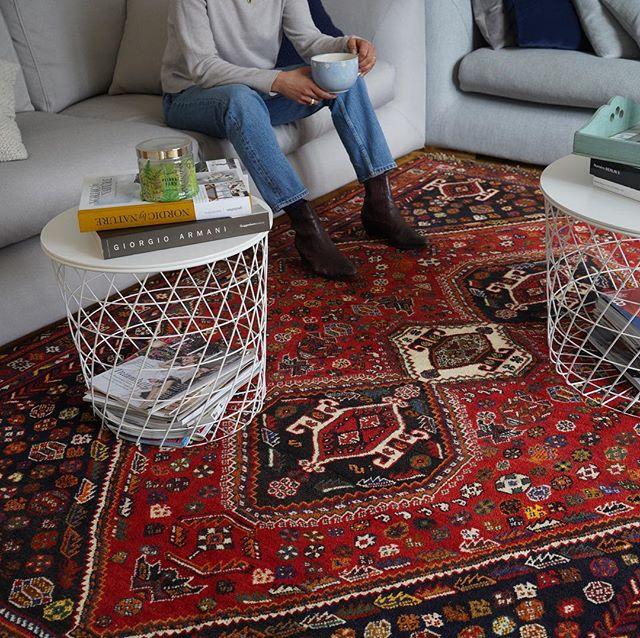Monday's are for big pots of coffee and beautiful Gashghai rugs 💫 . . . #ruginspiration #vintagerugs #modernrugs #handmade #orientalrugs #persianrugs #persiancarpets #homedecor #interiordesign #interior #interiorinspo #ruginspo #ruglove #ruglovers #handemaderugs #interior-love #interiorinspo #ruginspo #gashgai #nomadicrugs #bohorugs #nomadic #nomads #persian #ipekcarpets #ipekrugs