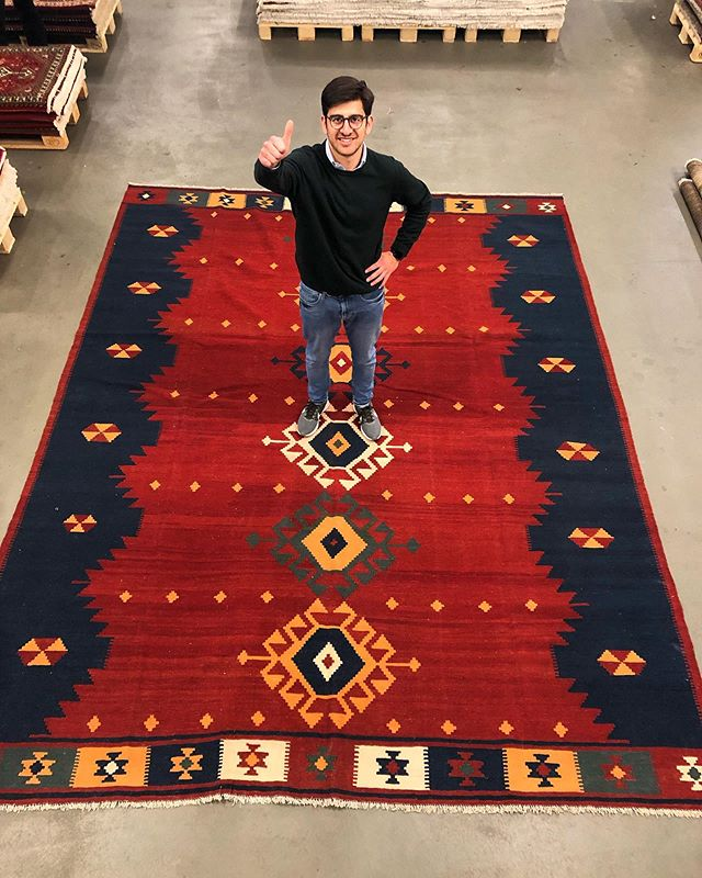 👍up for our giant beauty. This Kelim measures 12m2 and is perfect to decorate a big hall or underneath a huge dinner table. If you're looking for more rugs and Kelim in big sizes just contact us. Link in bio ⬆️ . . . #kelimrug #kelim #persiankelim  #ruginspiration #vintagerugs #modernrugs #handmade #orientalrugs #persianrugs #persiancarpets #homedecor #interiordesign #interior #interiorinspo #ruginspo #ruglove #ruglovers #handemaderugs #interior-love #interiorinspo #ruginspo #gashgai #nomadicrugs #bohorugs #nomadic #nomads #persian #ipekcarpets #ipekrugs