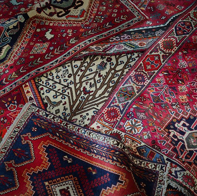 Our offer of handmade Persian rugs includes a wide range of nomadic rugs. These rugs are made by nomads living all over Iran. From Shiraz, to Gashgai or Bakthiar, there are so many option. The astonishing thing about these rugs? Not only are they handmade from natural sheep wool, often died with organic colors the nomads find in their environment, but they also knot and weave the rugs straight from their memory without any model or template. Wow! For further requests regarding our nomadic rugs just contact us. . . . #ruginspiration #vintagerugs #modernrugs #handmade #orientalrugs #persianrugs #persiancarpets #homedecor #interiordesign #interior #interiorinspo #ruginspo #ruglove #ruglovers #handemaderugs #interior-love #interiorinspo #ruginspo #gashgai #nomadicrugs #bohorugs #nomadic #nomads #persian #ipekcarpets #ipekrugs