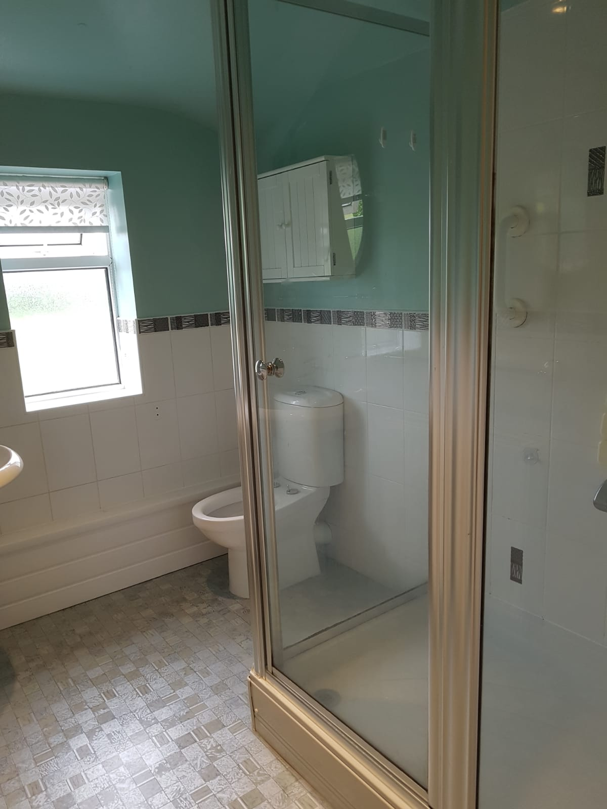 Bathroom2b.jpg