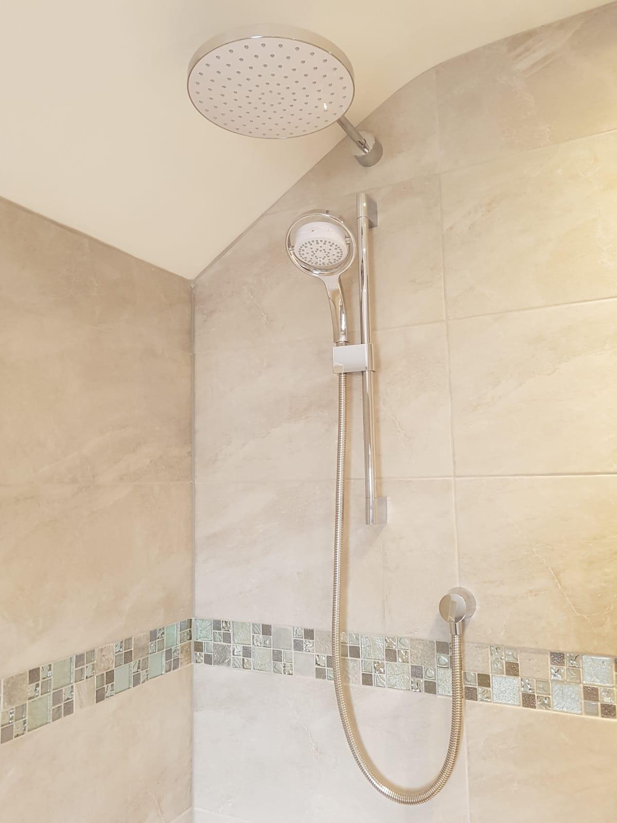 Bathroom3g.jpg