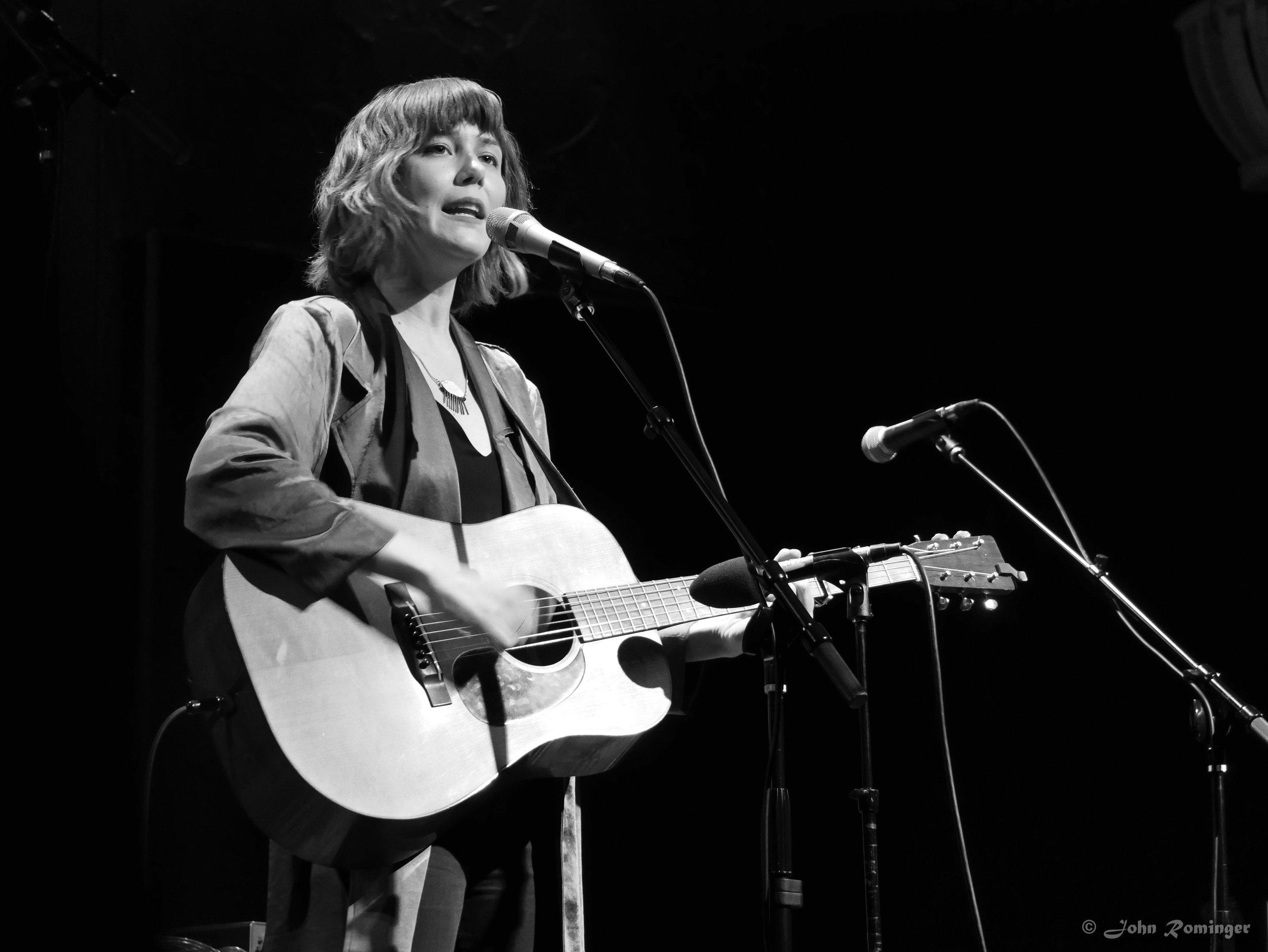 Molly Tuttle (by John Rominger)