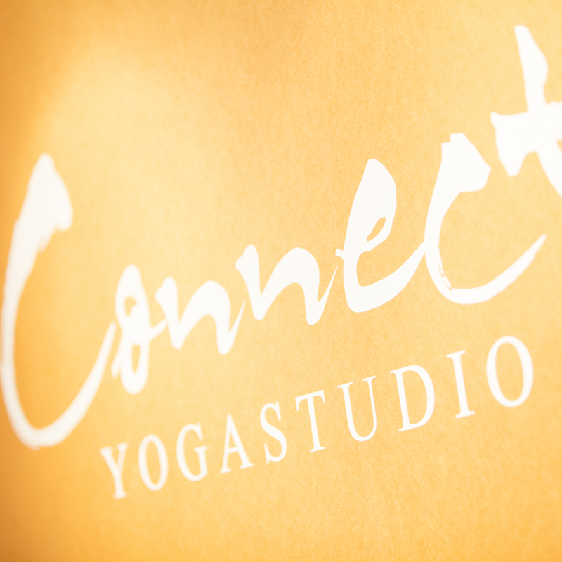 Kvadrat_connectyogastudio.png