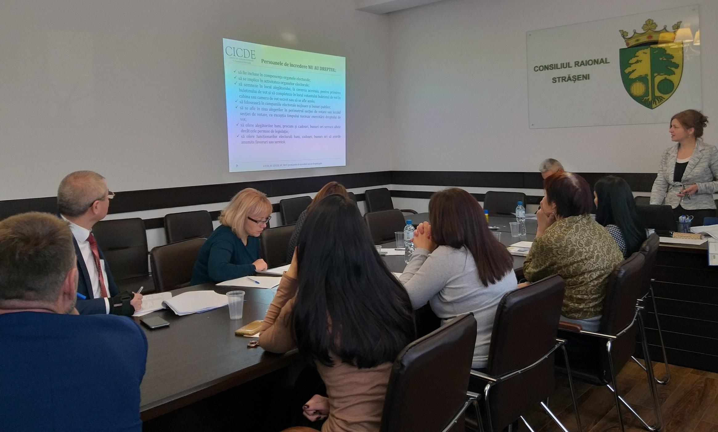 IRI observers attended a CEC training for DEC staff in Strășeni