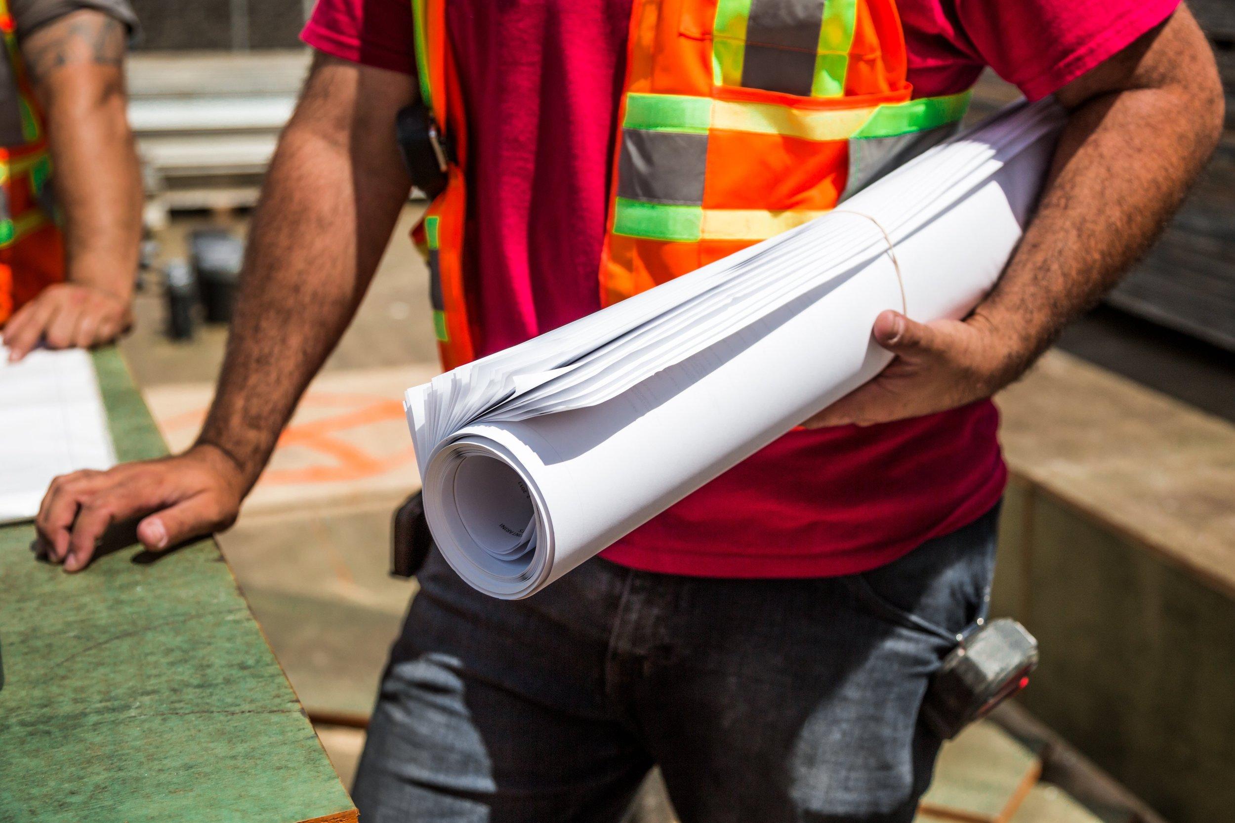 construction-workers-daylight-men-544971.jpg