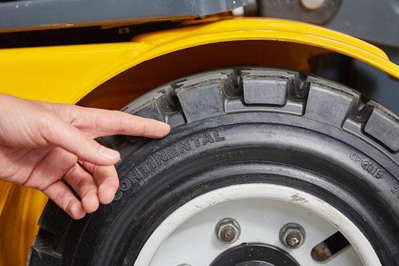 Tire-Check-560x373.jpg