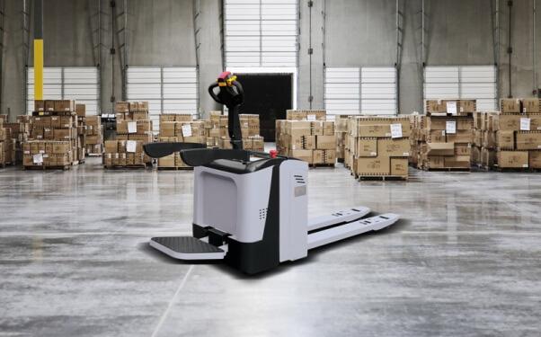 pallet-jacks-in-warehouse-operation.jpg