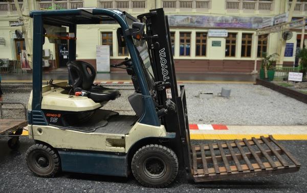 fork-lift-truck.jpg