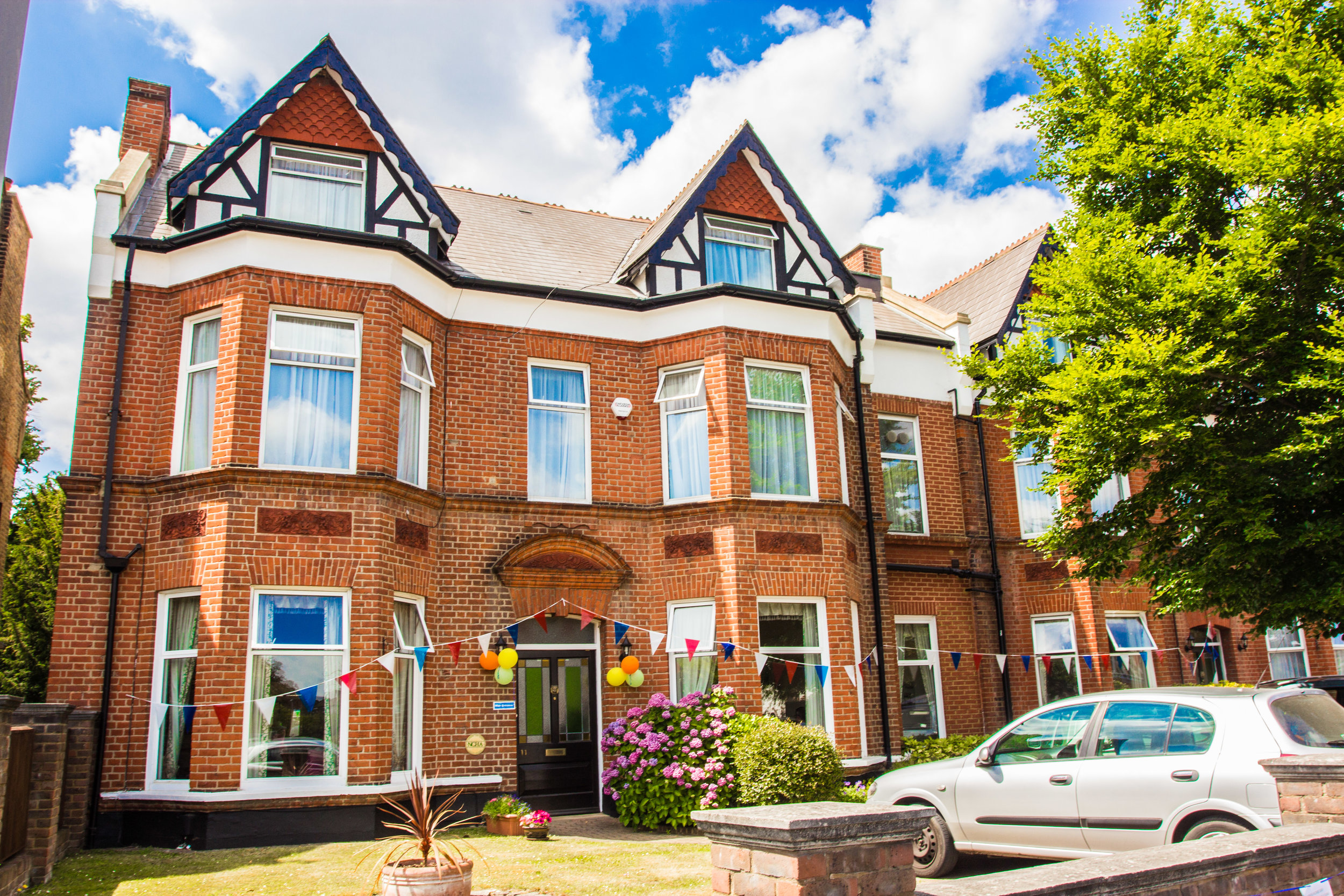 Surbiton Care Home - 0208 390 7712A beautiful Victorian property conveniently located within walking distance of Surbiton town centre, where we welcome people requiring residential care