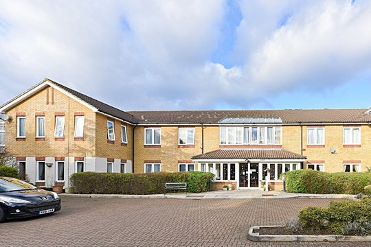 The Summers - 0208 941 3532A recently refurbished, purpose built centre where we welcome people with Dementia, Alzheimer's and other related illnesses