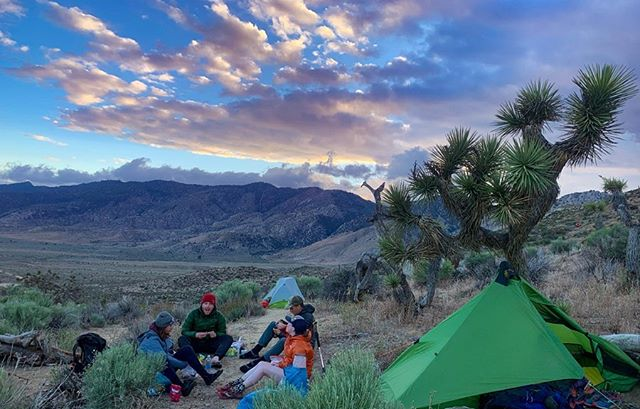 PCT | Mile 566.5 - 651.3 | Days 47 - 51  Currently at mile 2097!! ⠀ ⠀ ⠀ Goodbye desert! ⠀ ⠀ We'd often heard that the Tehachapi to Walker pass section was gruelling but we thought that was because of the heat, elevation gain and the long water carries. We found it pretty tough too! It may well have been because we took three days off in Tehachapi and our feet softened or the constant rain (I swear ever time we sat down to have lunch it would rain!) or if my creaking heavy backpack was just too heavy with the overpacking of water but my pace slowed considerably. I got new shoes in town, the same shoes but a size up and my toes were numbing. My knees started aching, the ache quickly turned to searing hot daggers of pain through my kneecaps with every step - I felt like I was falling apart! . ⠀ . ⠀ I was found myself getting more and more frustrated with my body, I had felt so strong up until now! Luckily I was with such a great group of friends, their pace was fast but dinner time was the best - it really contrasted the upset feeling inside that my body was reaching a limit I didn't think / didn't want to reach. The trail has a very odd way of hitting you high moments right after the lows, keeping you guessing what the next day has in store. ⠀ . ⠀ The weather felt like it was turning too, we spent almost 2 hours camped out just below a ridgeline waiting for a storm to pass and got pelted with marble sized hail! Nights were cold, the mornings even colder! A blizzard blew in on our last stretch towards Walker Pass, sand and snow - so bizarre! Yet as hard as this section was, I was still having fun. It was very conflicting and confusing but I bit the bullet and booked in to see a physiotherapist in Ridgecrest. All I could do was ice my knees and hope! ⠀ . ⠀ #pct2019 #pct @pctassociation #optoutside #ukhikers #loveherwild #loveherwilduk #adventure #sunset #moodysky #adventuregirls #womenwhohike #hikingformentalhealth #minduk