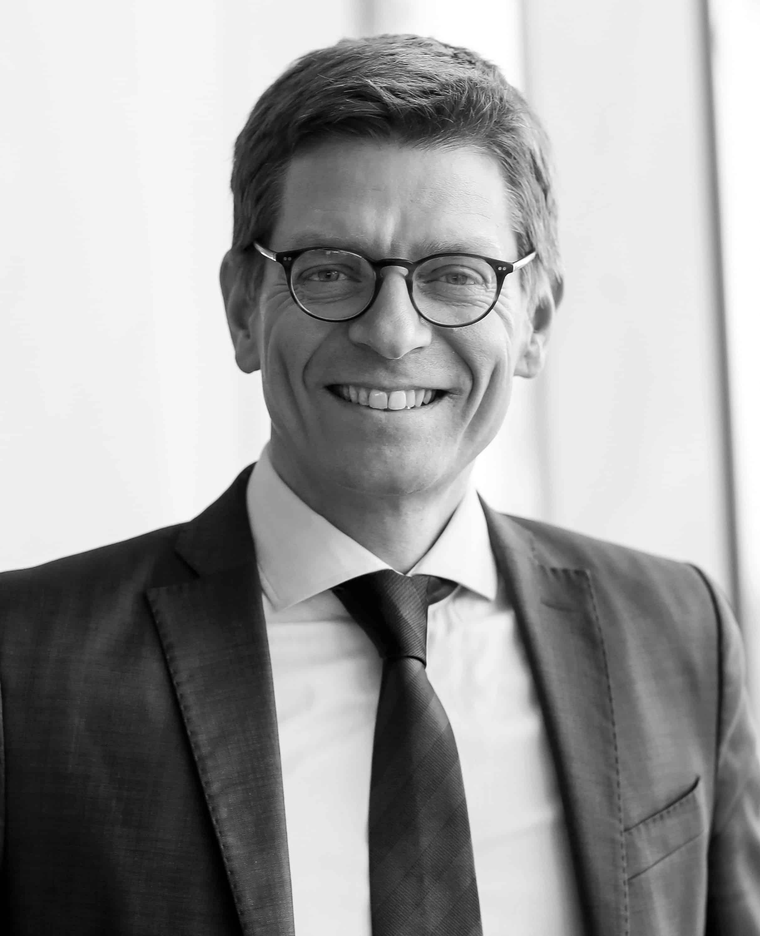 LARS FRELLE PETERSEN   Director of Digitisation, The Confederation of Danish Industry (DI)