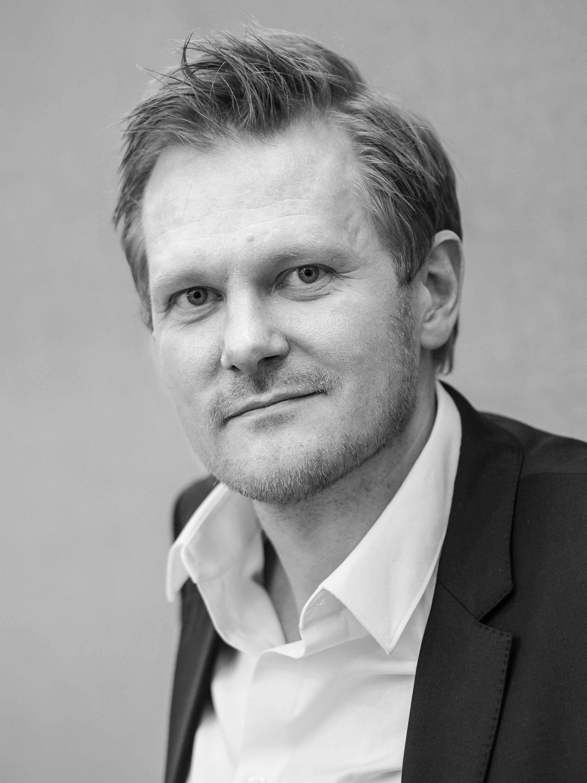 KASPER HOLTEN  DIRECTOR, THE ROYAL DANISH THEATRE  TRACK: CREATIVE MINDS