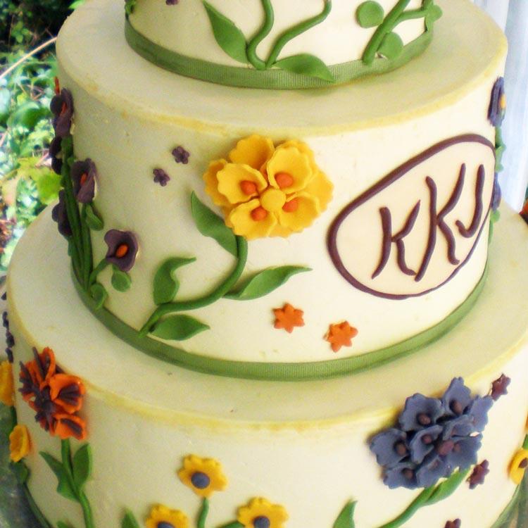ingrid-fraser-cake-round-flower-grn.jpg