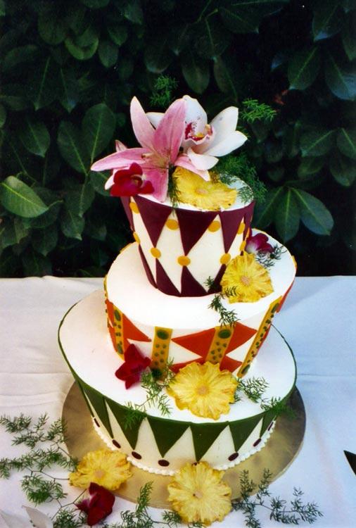 ingrid-fraser-cake-round_madhatter_a.jpg