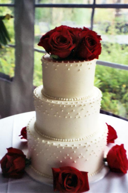 ingrid-fraser-cake-round_redrose.jpg