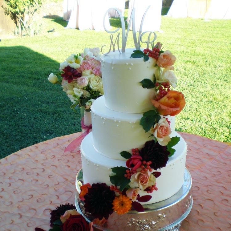 ingrid-fraser-cake-round-flower2.jpg