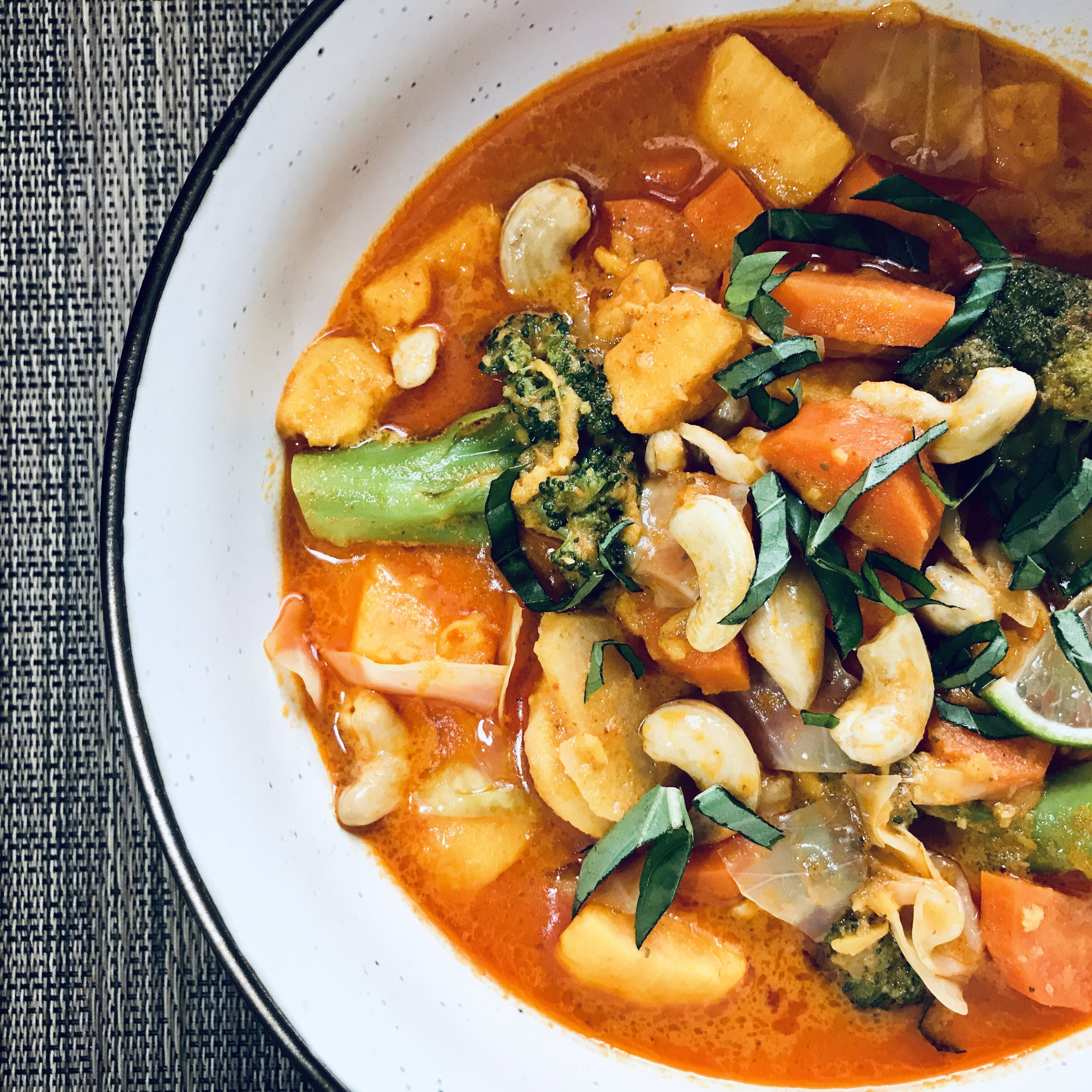 Coconut curry with mixed vegetables, cashew nuts and LOVE!