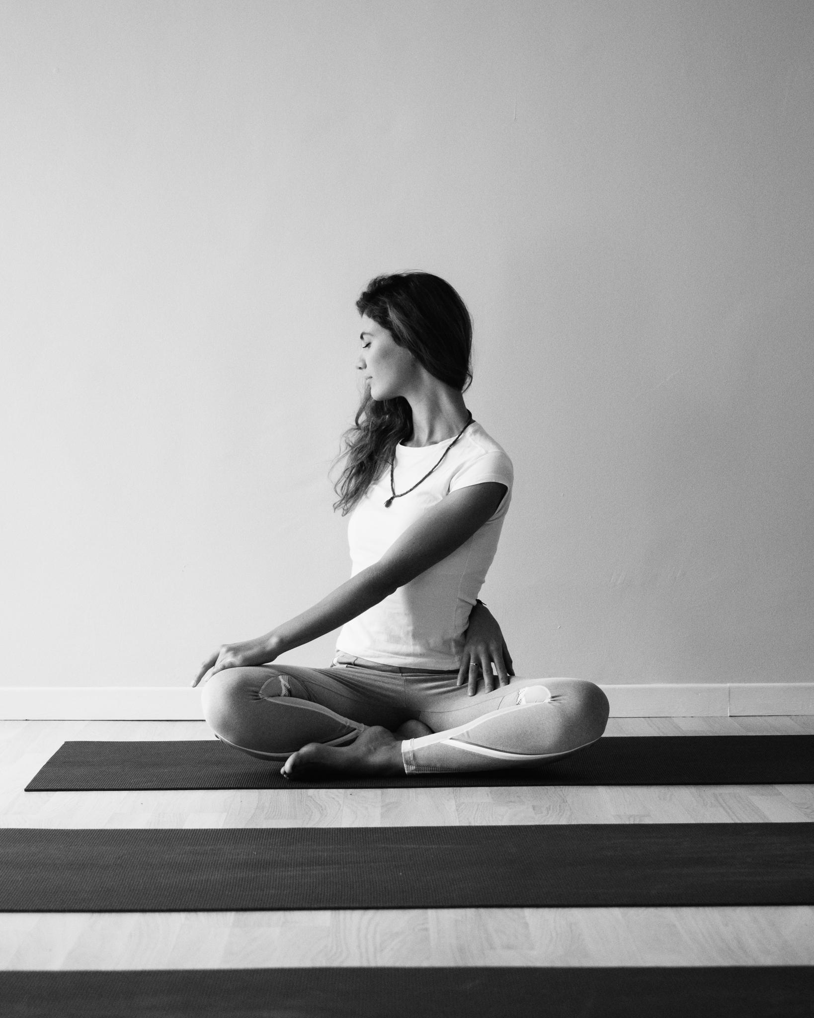 Giulia Cittaro insegnante yoga e meditazione - yoga in gravidanza