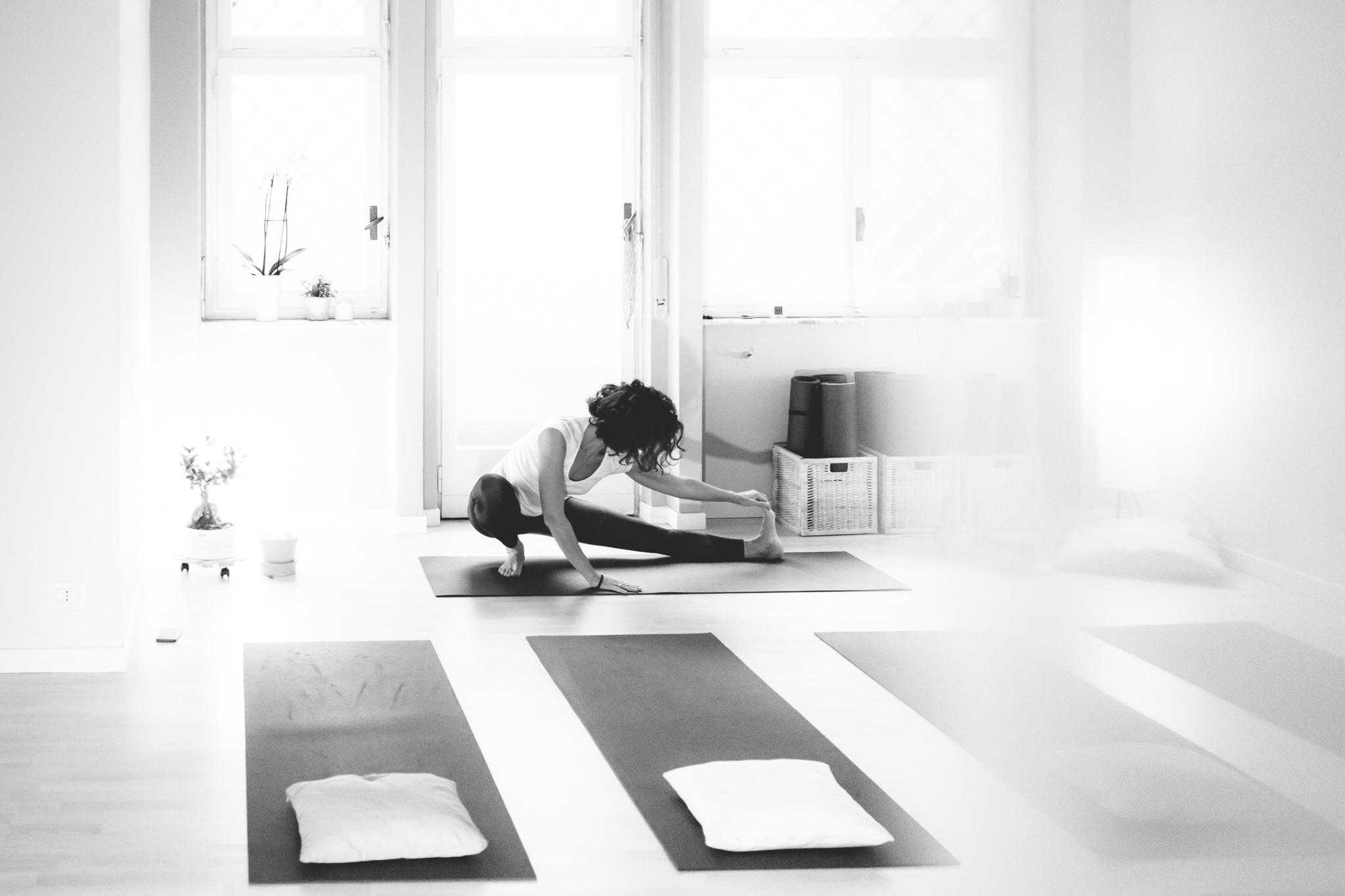 Luna Hatha yoga in English