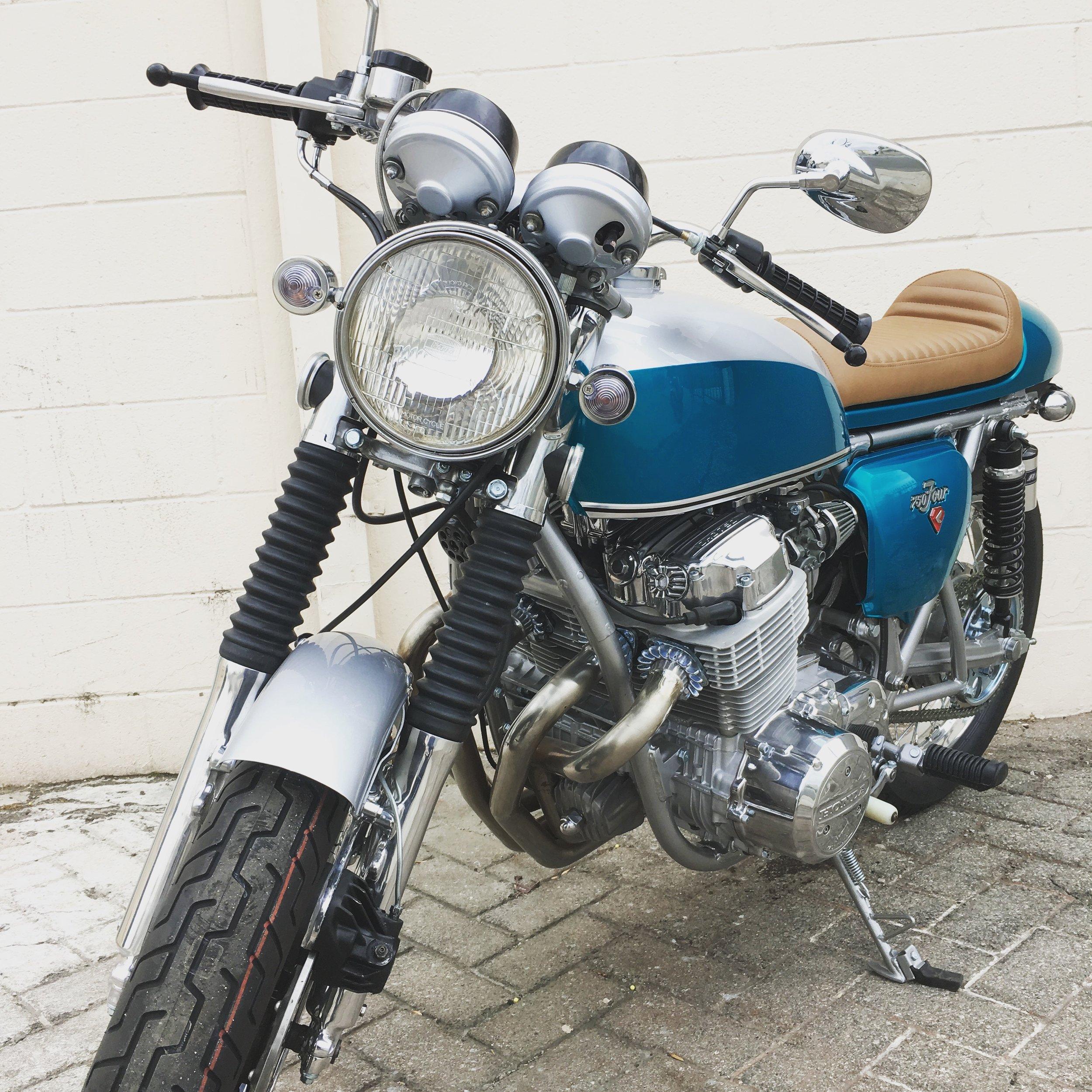(Front) 1972 CafeRacer Honda CB750.jpg