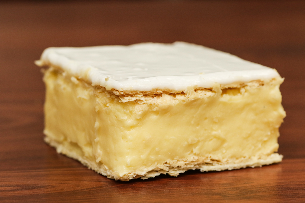 Our Famous Vanilla Slice - Tatura Hot Bread Has been famous for its mouth-watering award-winning vanilla slices. We were judge best Vanilla Slice in 2006 and 2007 at the Ouyen Vanilla Slice Triumph and were runner up in 2004 and 2008. Our vanilla slice has attracted the attention of national television, featuring on both The Great Outdoors and Coxy's Big Break!