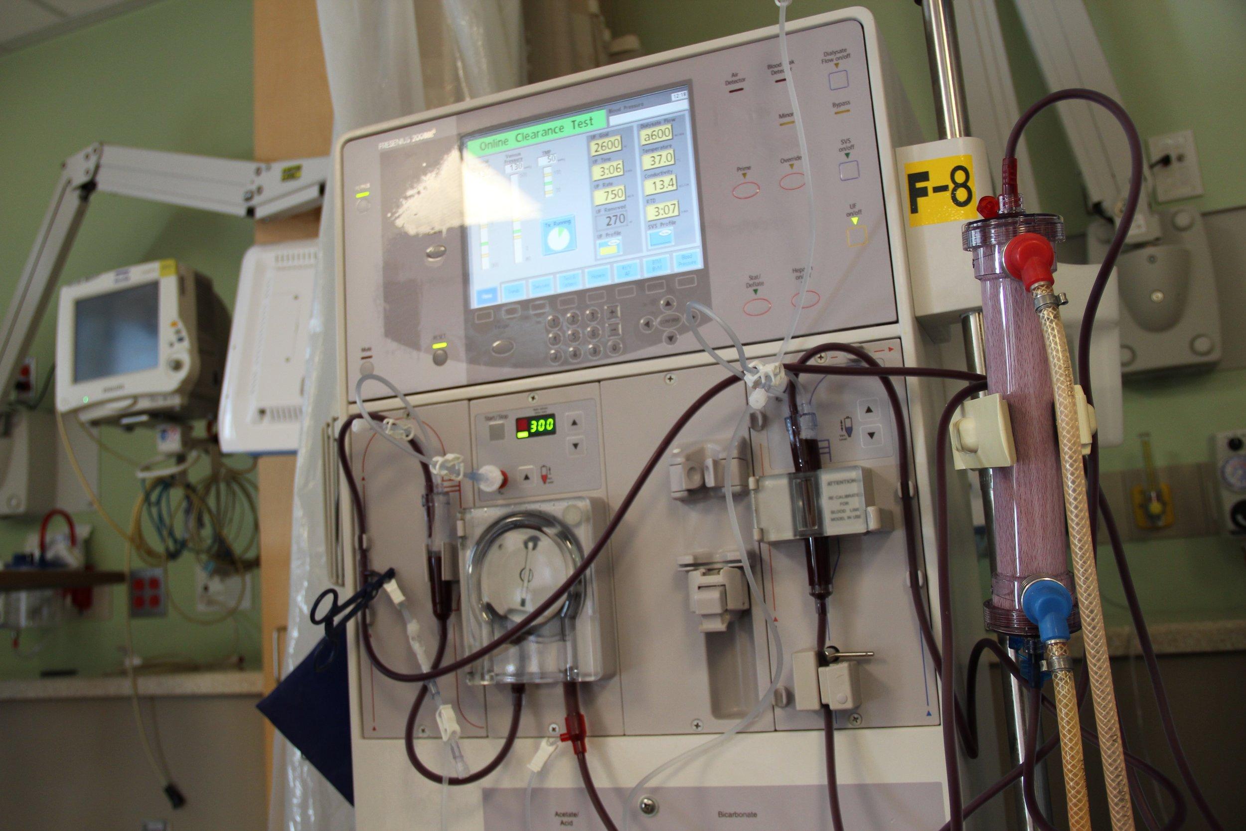 blood-dialysis-machine-hematology-966373.jpg