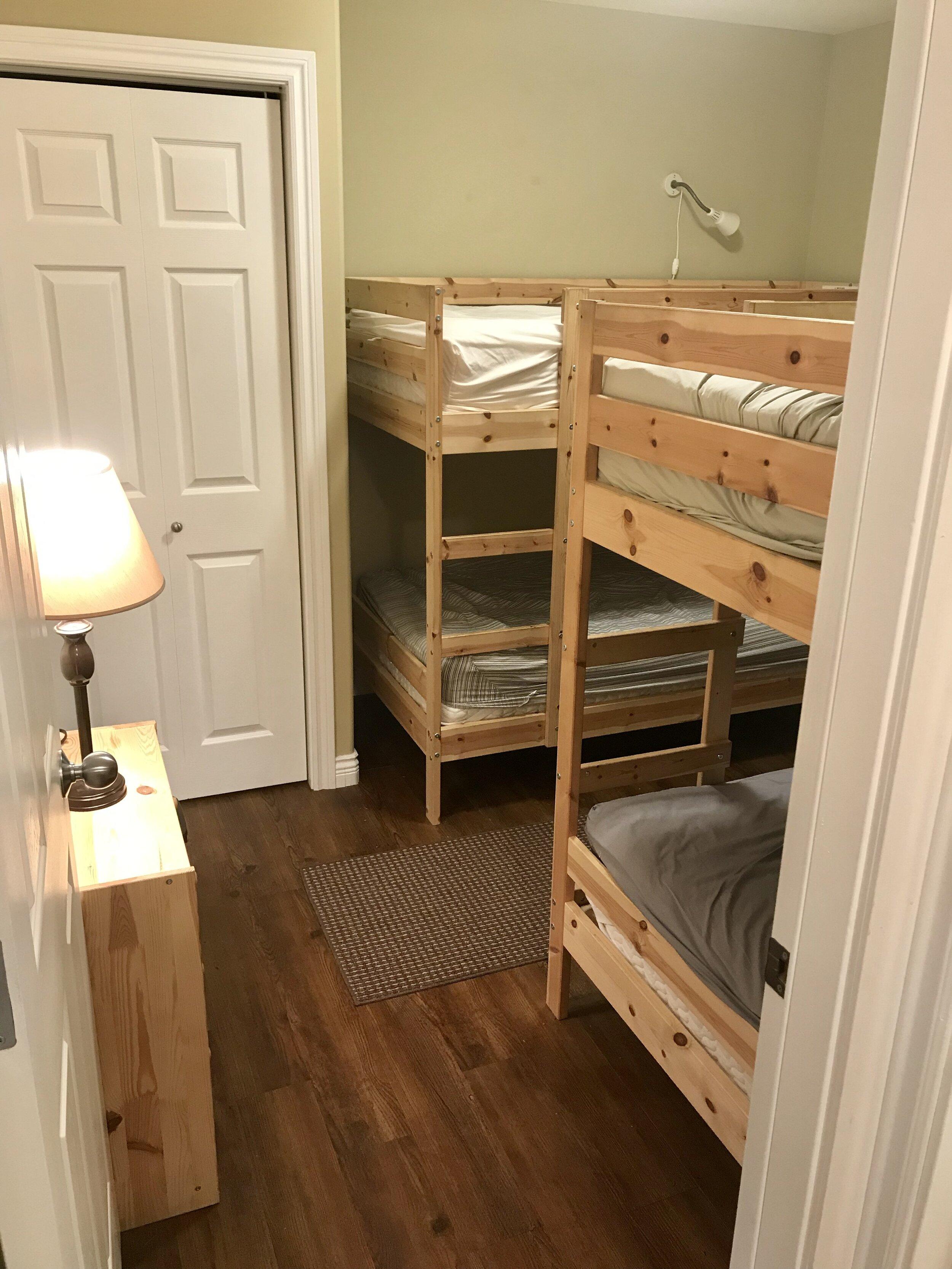 Mackenzie - Bedroom (4 singles)