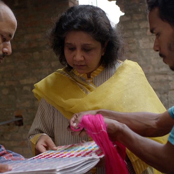 Founded in 1998by Smriti Morarka - Tantuvi which means 'weaver' in Sanskrit is an attempt to revive the dying weaving traditions of Benaras.