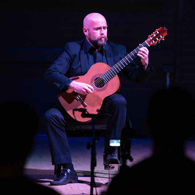 New Zealand guitarist John Couch performing some uniquely original and nature-inspired compositions in the first of a series of Ethnoclassics recitals • #acousticguitar #solorecital #classicalmusic #glassicalgas #recitalhall #concerthall #adelaide #southaustralia  @cityofadelaide