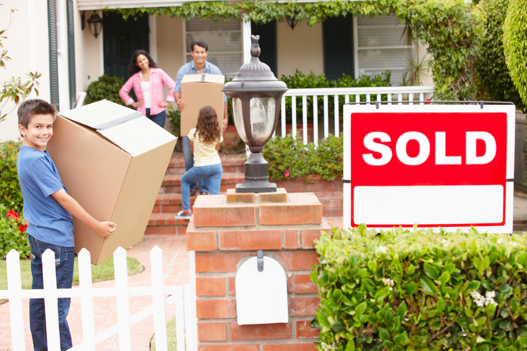 Moving-House-With-Anywhere-Movers.jpg