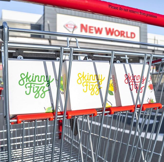 Find SkinnyFizz on the shelves at the Newtown New World!! Swing by and stock up for the weekend 💦�