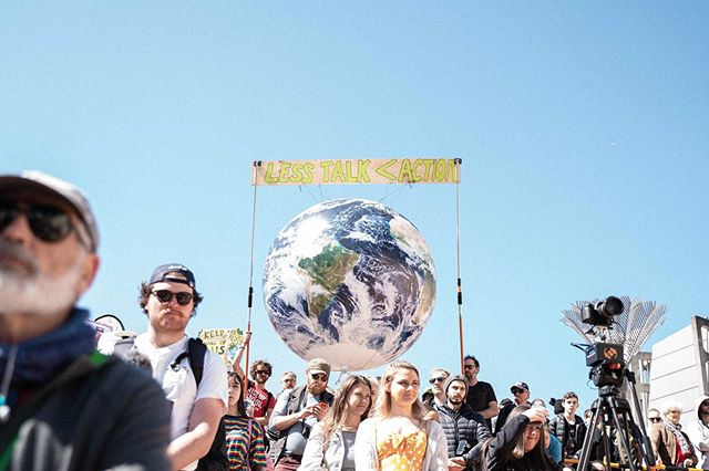 The @skinnyfizznz online store will be offline this afternoon in support of #Strike4Climate �