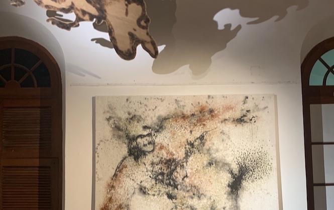 """LES FABULISTES - Aliou Diack et Ibrahima Dieye dans l'exposition """"Les Fabulistes""""."""