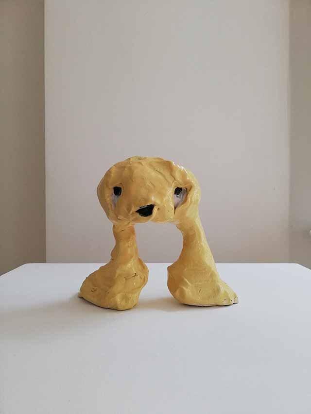 Janes Haid-Schmallenberg, Gelbling, 2019, Höhe 18 cm, glasierte Keramik