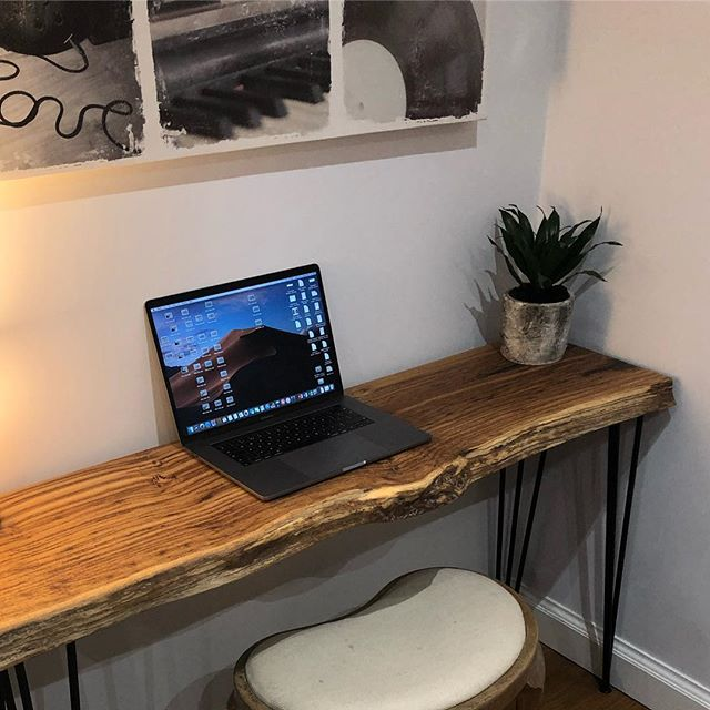 Live edge oak desk black infills with steel hairpin legs. #handmadefurniture #interiordesign #etsyseller #liveedgetable #furniture #resin #bespoke #resinart #homeoffice #inspo
