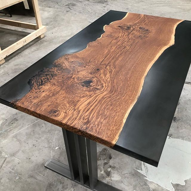 It's not just about the river table we do lots of different designs to suit you and your taste. #handmade #oak #oaktable #black #woodworkers #featuretable #burr #woodworm #epoxytable #epoxyresin