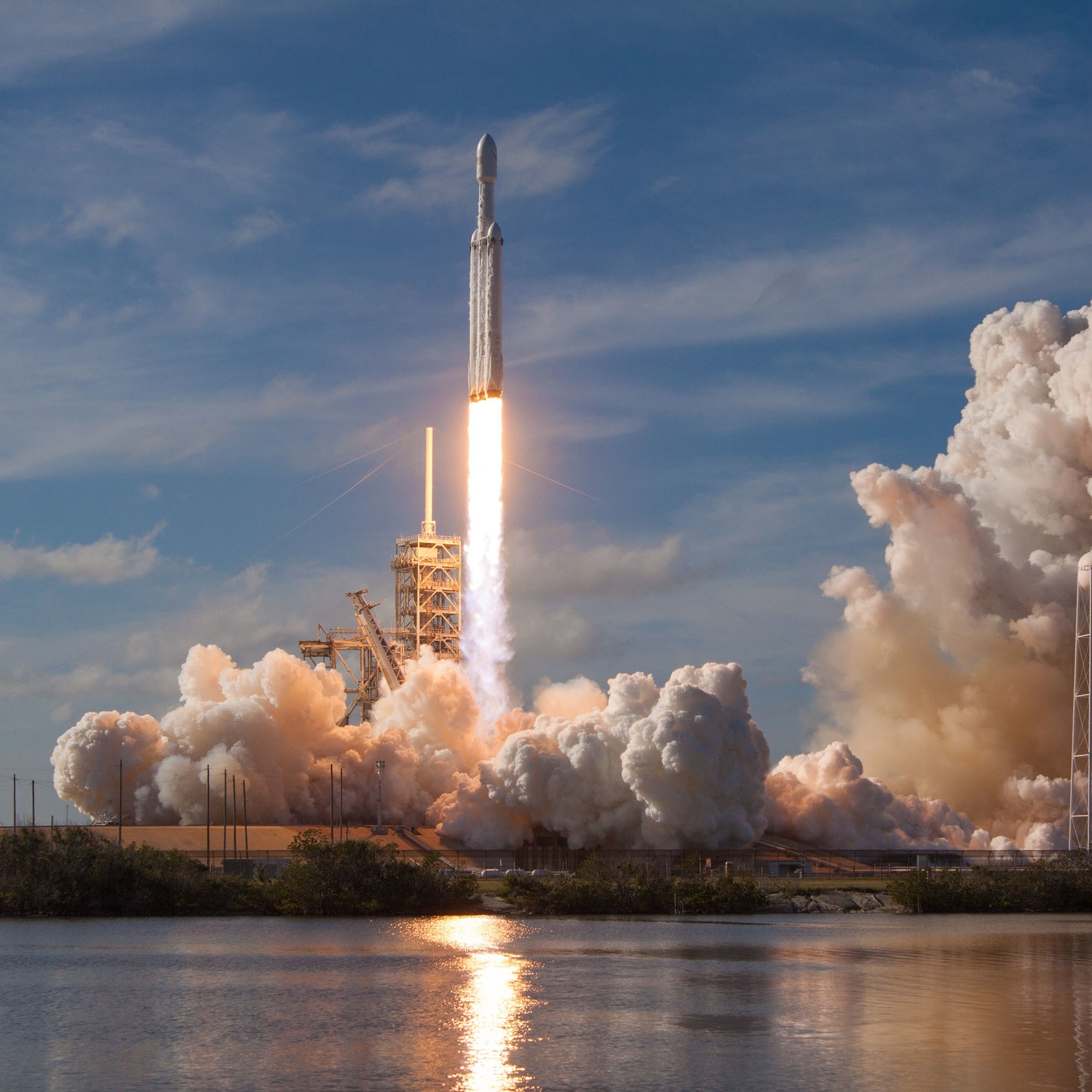 Falcon Heavy - The current workhorse of the SpaceX fleetHeight: 229 feet tallThrust: 5.1 million pounds (28 Boeing 747s)Payload: 119,000 lbs (12.5 elephants)Cost of each launch: $90 million