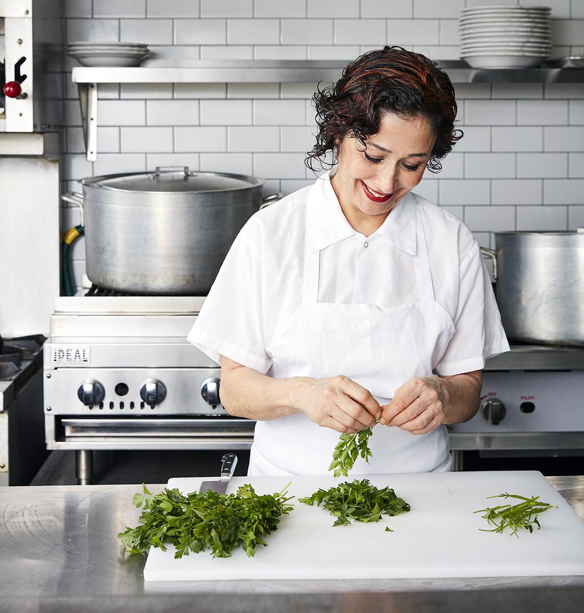 1140-nasim-alikhani-cooking-long.imgcache.rev21d54ecde2240783649e9b6572c0b80b.jpg