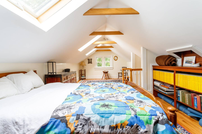 attic-bedroom-4.jpg
