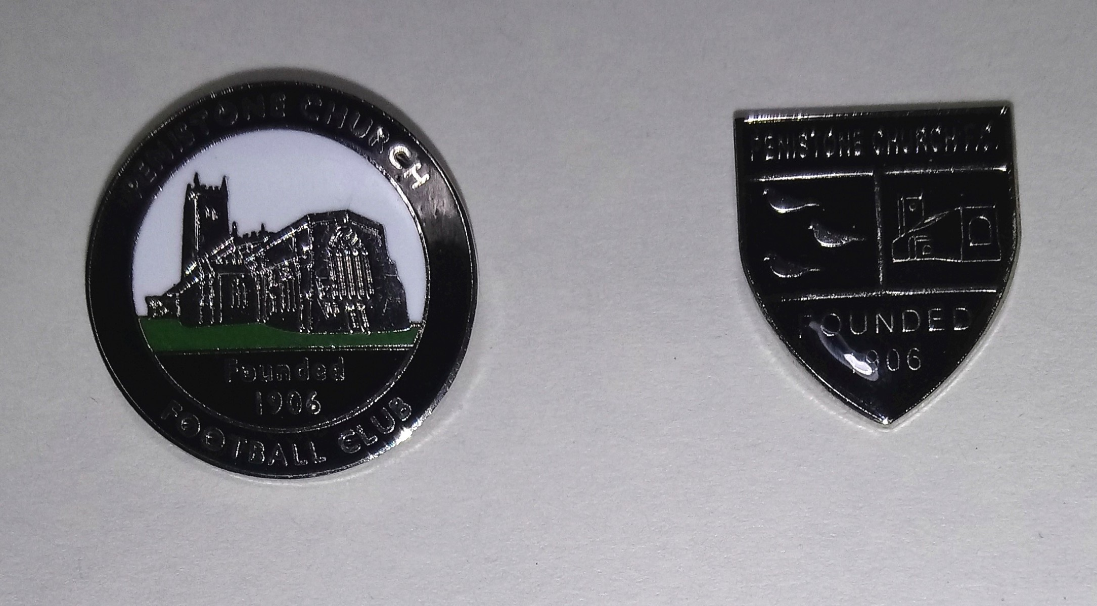 £3 - Two types of badge -   EXCLUSIVELY AVAILABLE ONLY AT THE DSM Memorial Ground   - from the Bar and the pay booth