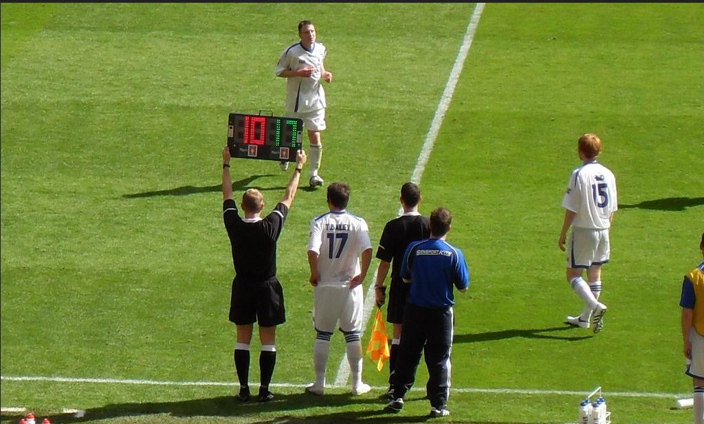 Substitution - FA Carlsberg Vase Final 2009 - Glossop North End v Whitley Bay.png