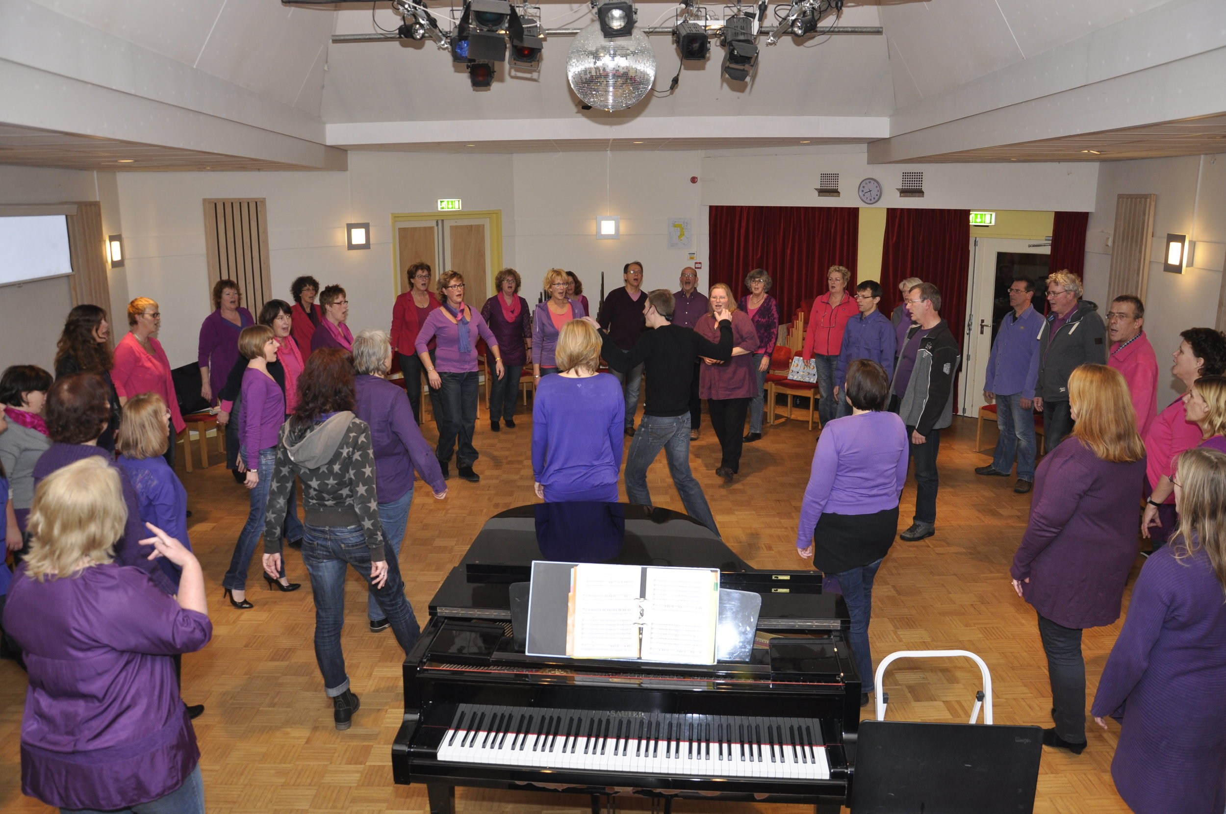 Choir workshops - I'm open for workshops! Have a look at the possibilities here. Feel free to book a workshop by filling in the contact form and I will get back to you ASAP.