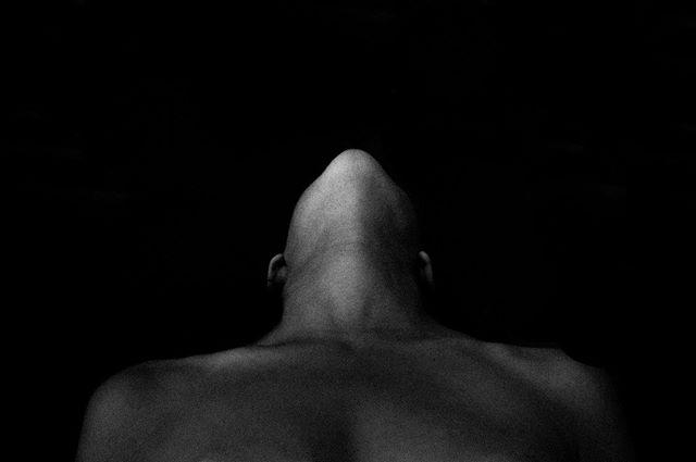 🖤 . . . . . . . . . . . . . . . . . . #pressshoot #pressshots #bristolsinger  #bathsinger #singersongwriter #londonartist #bristolartist #ukphotographer  #bristolphotographer #portrait #portraitphotographer  #bristolfashionbrand  #portraitphotography  #fashionphotographer