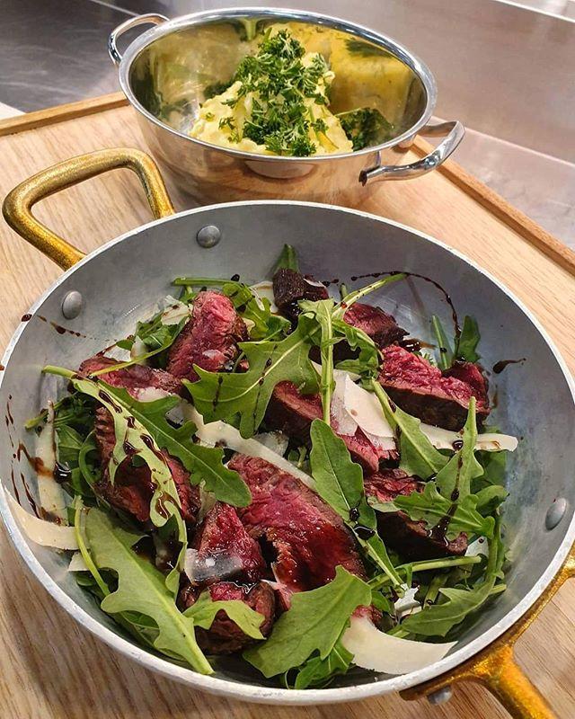 grilla nyretapp med balsamico, parmesan og potetaioli 😀👌 tilgjengelig fra kl. 15-22 hele uken 🗓