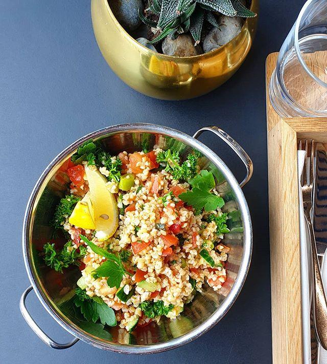 Dagens salat: tabbuleh 🥗 #søttogsaltlanternen #søttogsalt #marineholmen