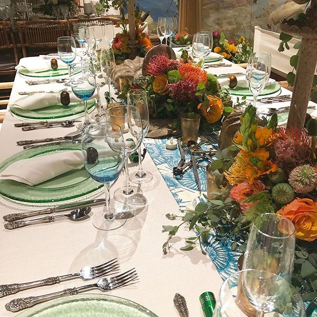 Such a wonderful table setting!  #Repost @gillian_valentine_inc · · ·  Finishing touches.... #gillianvalentine #montecito #charlottesville #santabarbara #keswick • • • • • #luxury #luxurylinens #celebration #tablescapes #tablesetting #tabledecor #tabledesign #luxurydesign #luxuryevent #eventplanner #events #specialevents #luxuryevents