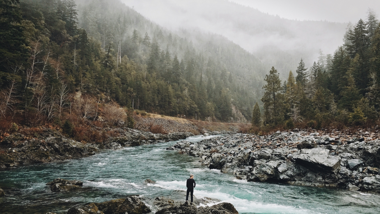 man-in-the-wild-among-nature-river-and-mountains-289-small.jpg